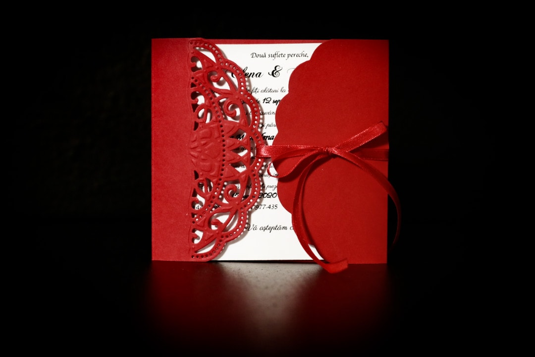 invitatie nunta gatefold rosu - invitatii nunta personalizate-grand-media.ro