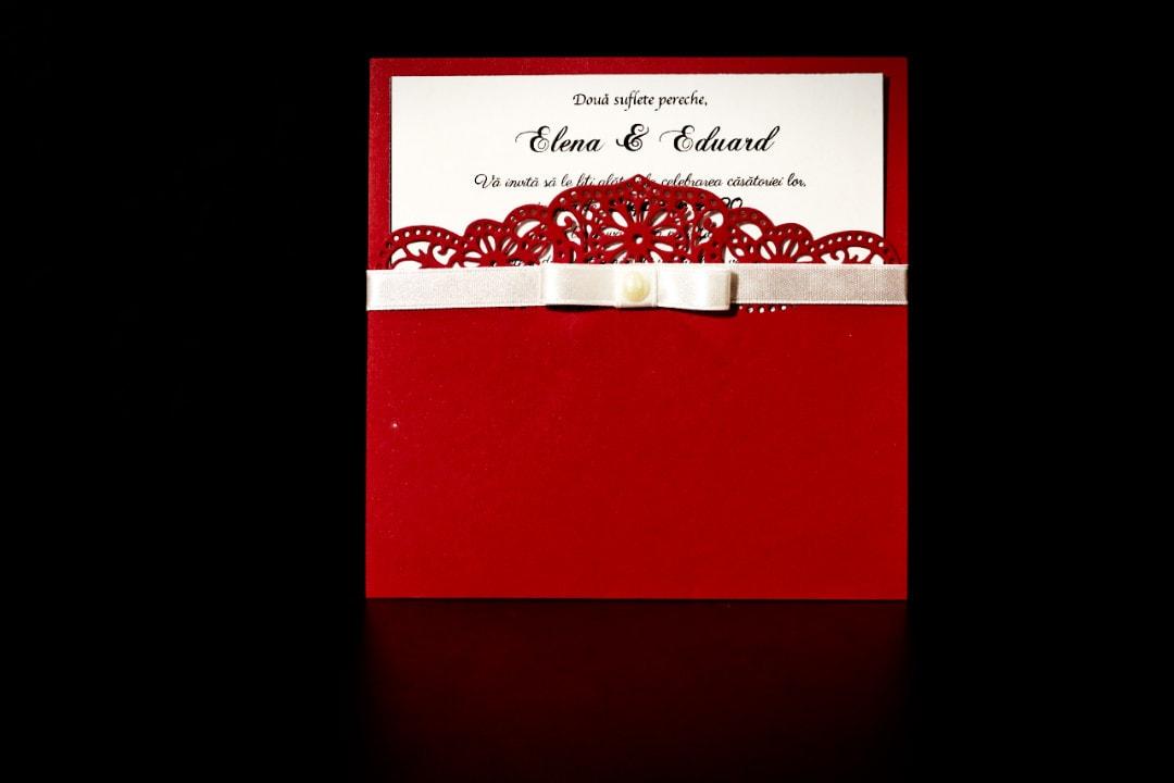 invitatie nunta tip plic rosu - invitatii nunta personalizate-grand-media.ro