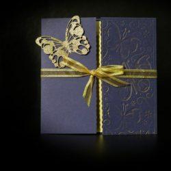 invitatie nunta bleumarin fluture auriu - invitatii nunta personalizate-grand-media.ro