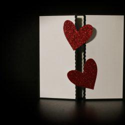 invitatie nunta inimi glitter rosu - invitatii nunta personalizate-grand-media.ro