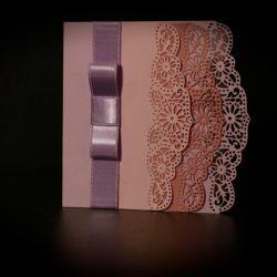 invitatie nunta margini dantelate roz pudra - invitatii nunta personalizate-grand-media.ro